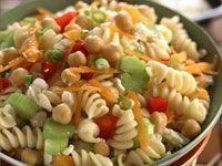Chickpea pasta salad healthy salads and dressings Healthy Pasta Salad, Healthy Pastas, Pasta Salad Recipes, Easy Salads, Healthy Chicken Recipes, Easy Healthy Recipes, Healthy Snacks, Vegetarian Recipes, Strip Steak