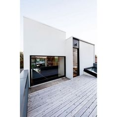 House with large deck, stay or leave it? #rumahkuarchitecture