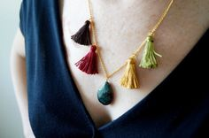 Teardrop Gemstone Tassels SUMMER NECKLACE/ dark green by sestras