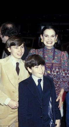 My two sons: By 1978 Christopher had cut off all contact with Gloria and his half-brothers Wyatt and Carter. Gloria didn't even know that Chris' fiance April had left him until Wyatt's funeral ten years later