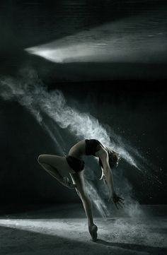♫♪ Dance ♪♫ dancer light