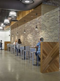 LinkedIn Sunnyvale Office- Use of reclaimed wood in a cafe setting