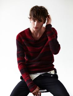 I think this lad will do nicely for Moss, coming to Pictish Spirit in RIVER. nice sweater >>>>>>more like nice face Beautiful Person, Beautiful Boys, Pretty Boys, Outfits Hombre, Outfits Casual, Interesting Faces, Cool Sweaters, Man Photo, Good Looking Men
