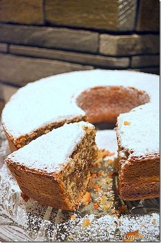 Carrot and Walnut Coffee Cake Greek Sweets, Greek Desserts, No Cook Desserts, Cake Bars, Pie Cake, Sweet Recipes, Cake Recipes, Dessert Recipes, Dessert Ideas