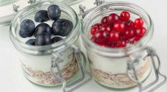 BLUEBERRIES AND REDCURRANT OATS ON-THE-GO