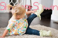 A free pattern to make leather fringe baby boots. Baby Boots Pattern, Baby Moccasin Pattern, Baby Moccasins, Baby Girl Shoes, Kids Boots, Toddler Girl Outfits, Leather Fringe, Childrens Shoes, Child Safety