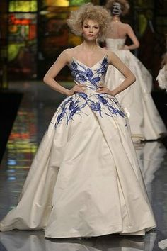 Galliano's stunning Dior S09 Haute Couture show, inspired by Dutch and Flemish seventeenth-century art, included some great Delftware ball gowns.