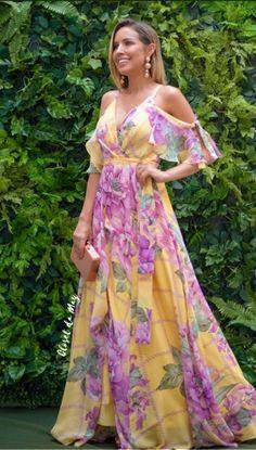 vestido de festa floral longo amarelo Modest Dresses, Casual Dresses, Fashion Dresses, Bridesmaid Dresses, Prom Dresses, Summer Dresses, Luau Outfits, Sequin Party Dress, Floral Maxi Dress