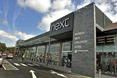 Exterior design boutiques attract visitors 6