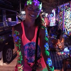 #whoopwhoop Glow in the dark Body Painting, this was so much fun! BIGGEST #BeachParty I've ever Been too! Full Moon Party, #FullmoonParty, #KohPhangan, #Thailand #Party #Fun #Blast  XO #SoMuchFun!! See video in next post! You gotta go!! ✈️