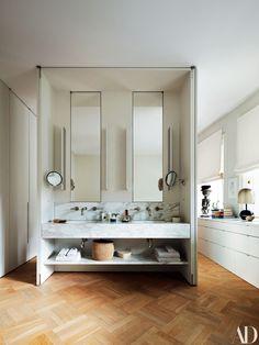Marble bathroom goals especially with parquet floors
