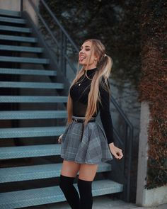Outfit Trends - Plaid skirt outfits ideas what to wear plaid skirts Winter Date Night Outfits, Cute Casual Outfits, Girly Outfits, Mode Outfits, School Outfits, School Girl Outfit, Casual Dress For Fall, Cute Outfits With Skirts, Fall Skirt Outfits