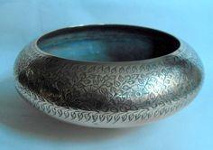 Heavy vintage heavily engraved Indian Craft Work brass bowl poss Benares #10699