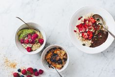 3 x breakfast oatmeals + copenhagen guide. even though we have posted countless porridge recipes Breakfast And Brunch, Raspberry Breakfast, Breakfast Snacks, Breakfast Recipes, Breakfast Ideas, The Oatmeal, Coconut Oatmeal, Savory Oatmeal, Protein Oatmeal