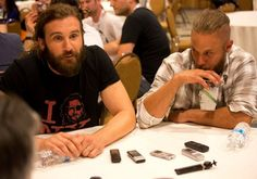 Travis Fimmel Photos Photos - The cast of Vikings does a press line at Comic…