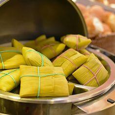 No café da manhã do Comfort Hotel Goiânia além das opções básicas alguns itens regionais como pamonha cozida biscoitos de queijo e doces com coco estão sempre presentes.Matéria completa:http://bit.ly/chgoi - --- - ----  #comfort #comforthotel #Brasil #Hotel #PerfeitoPraVocê @atlanticabrasil #goiania #goiânia #goianiawalk #goianiacity #conhecagoiania#blogueirorbbv #azulmagazine #MTur #ViajePeloBrasil #DicasdeDestino #BelezasdoBrasil #PartiuBrasil #decolar #VoeGOL #travel #LoveTravel…