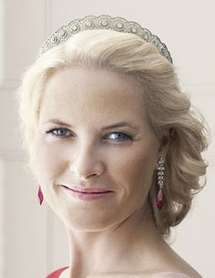 Diamond Tiara was a gift to Mette-Marit from the King and the Queen when she was married to Haakon.