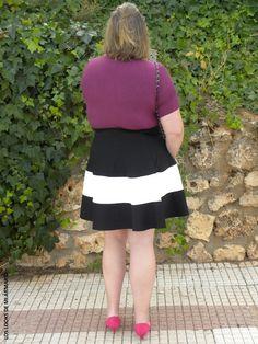 Look FALDA DE RAYAS Y BERENJENA LOS LOOKS DE MI ARMARIO. #loslooksdemiarmario #winter #primark #outfitcurvy #invierno #look #lookcasual #lookschic #tallagrande #curvy #plussize #curve #fashion #blogger #madrid #bloggercurvy #personalshopper #curvygirl #lookinvierno #lady #chic #looklady #lookblancoynegro #whiteandblack #look #outfit  #rayas #zapatos #marypaz #jersey #faldaneopreno  @zara #lookrayas #workinggirl #faldaderayas #faldacampana #yoursclothings