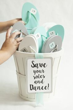 """Awesome DIY idea for making """"wedding flip flop"""" favors + FREE sign and shoe size printables! Perfect for a beach wedding / destination wedding! Wedding Favors And Gifts, Beach Wedding Favors, Diy Wedding Decorations, Wedding Reception, Wedding Shoes, Wedding Rehearsal, Wedding Dancing Shoes, Wedding Flip Flops For Guests, Wedding Souvenir"""