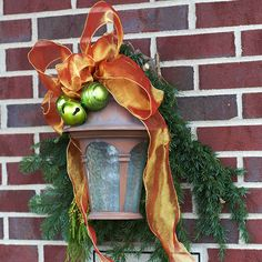 Check Out 41 Inspiring Outdoor Christmas Decorations. Outdoor Christmas decorations help to create a festive atmosphere and greet your guests. Christmas Love, Winter Christmas, All Things Christmas, Christmas Lights, Merry Christmas, Christmas Porch, Christmas Feeling, Office Christmas, Christmas Colors