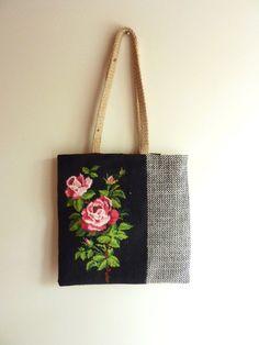 "Fourre-tout ""rose et damier""    #diytotebag#diybags#totebag#sac#sacàmain#saccabas#sacs#sacfemme#fairesoimeme Homemade Bags, Tout Rose, Diy Bags Purses, Diy Tote Bag, Tapestry Bag, Diy Handbag, Boho Bags, Handmade Handbags, Linen Bag"