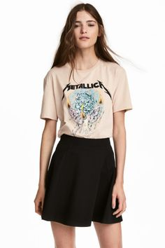 Printed T-shirt - Light beige/Metallica - Ladies Metallica, Going Out Crop Tops, H&m Online, Light Beige, T Shirts, Printed Cotton, Skater Skirt, Ideias Fashion, Fashion Online