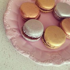 Ever had metallic macarons? There were released during the Diamond Jubilee. Chocolate, praline and salted caramel flavor. YUM! :D