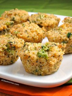 Clean Eating: Broccoli Cheddar Quinoa Bites - I'm not sure where to categorize this one. Website has other flavors of quinoa bites as well. I Love Food, Good Food, Yummy Food, Food For Thought, Clean Recipes, Cooking Recipes, Quoina Recipes, Recipies, Popular Recipes