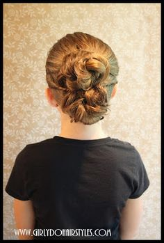 Girly Do Hairstyles: By Jenn: Crazy Eight Bun