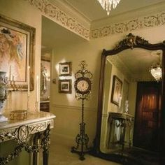 Entry Photos Old World Tuscan Design, Pictures, Remodel, Decor and Ideas - page 3 Victorian Interiors, Victorian Design, Victorian Decor, Victorian Homes, Folk Victorian, Victorian Kitchen, Tuscan Design, Tuscan Style, Interior Desing