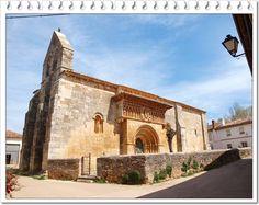 """Moarves de Ojeda.- El monumento más importante de la localidad es la iglesia románica de San Juan Bautista.   A.García Omedes en su estupenda página sobre románico, dice de la de Moarves: """"Podría repetir lo que tantos dijeron, asombrados, contemplando su portada. Más la expresión que más me ha cuadrado fue hecha por Unamuno quien definió magistralmente su efecto como """"Encendida encarnación"""".  Imagen de LVG"""