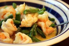 Primal Kitchen: A Family Grokumentary: Shrimp and Asparagus over Spaghetti Squash with White Wine Reduction
