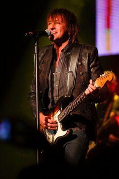 Richie Sambora ROCKS the crowd in Crome at The Fonda Theatre in LA. Last Aftermath concert before Jovi machine took over.