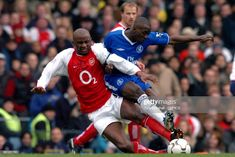 Patrick Vieira vs Claude Makelele Chelsea vs Arsenal Patrick Vieira, Premier League, Arsenal, Captain America, Chelsea, Mario, Football, Superhero, Fictional Characters