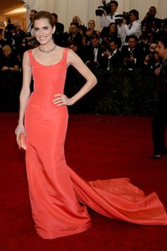 Pin for Later: Allison Williams Makes a Stunning Return to the Met Gala