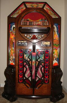 Very unique shape. Jukebox, Rock And Roll, Radios, Music Machine, Vintage Music, Vintage Box, Record Players, Phonograph, Museum
