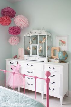 Big Girl Room:: So much to love on this post from The Lilypad Cottage!