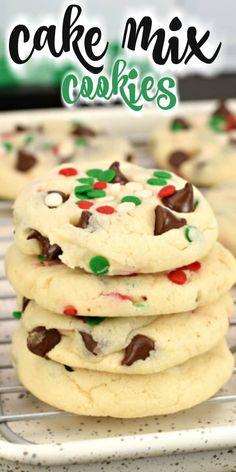 Cake Mix Desserts, Cake Mix Cookie Recipes, Cake Mix Cookies, Cookie Desserts, Yummy Cookies, Holiday Desserts, Holiday Baking, Just Desserts, Cookies Et Biscuits