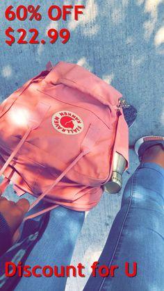 Pink Fjällräven Kinken - Kelly World Mochila Kanken, Cute Photos, Cable Knit Sweaters, Vsco, Pink, Backpacks, Purses, My Style, Stuff To Buy