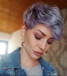 New Pixie Haircut Ideas in 2019 - Styles Art - - New Pixie Haircut Ideas in 2019 – Styles Art darling, be daring… Neue Pixie-Haarschnitt-Ideen im Jahr 2019 – Styles Art Pixie Bob Haircut, Short Pixie Haircuts, Pixie Hairstyles, Pixie Haircut For Thick Hair Wavy, Pixies For Thick Hair, Pastel Pixie Hair, Thick Hair Pixie Cut, Purple Pixie Cut, Curled Pixie