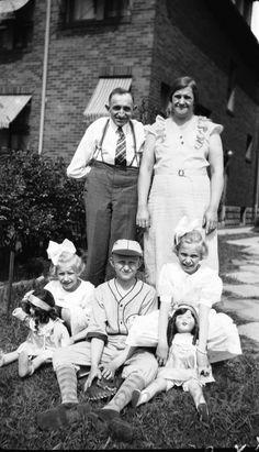 Fotografía negativo ~ familia 1930 ~ niños ~ béisbol ~ muñecas ~ Americana