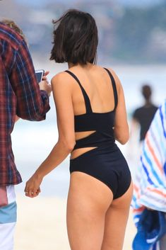 Nina Dobrev Wears a Swimsuit with Zippers in Mexico!: Photo Nina Dobrev shows off her fit figure while hitting the beach with her friends on Friday (January in Tulum, Mexico. The actress wore a swimsuit… Tv Girls, Surf Girls, Beautiful Celebrities, Beautiful Actresses, Beautiful Models, Bikinis, Swimsuits, Nina Dobrev Style, Nikolina Konstantinova Dobreva