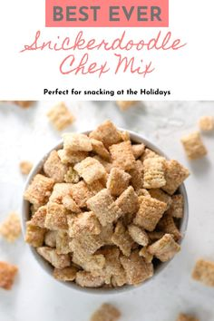 Snickerdoodle Chex Mix is basically snickerdoodle cookies in snack form! Rice cereal coated in white chocolate then tossed in cinnamon sugar, this recipe is a lightning-fast sweet snack to make for any occasion! Snickerdoodle Chex Mix was inspired by the taste of snickerdoodle cookies and the method to make puppy chow (muddy buddies). The results are addicting little morsels of crunchy sweet goodness. #Christmas #snack #sweet #kidfriendly Best Christmas Desserts, Winter Desserts, Thanksgiving Desserts, Fall Dessert Recipes, Snack Recipes, Breakfast Recipes, Snacks To Make, Rice Cereal