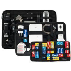 Cocoon GRID-IT! Tenho esse kit com 3 há pouco mais de 1 ano, e adoro. Indispensável nas minhas viagens.