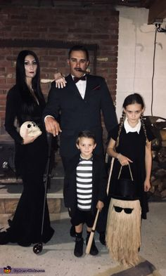 Addams Family Halloween costume Mortica Gomez Wednesday pugsley and cousin i. , DIY Addams Family Halloween costume Mortica Gomez Wednesday pugsley and cousin i. Halloween Costumes Adams Family, Scary Halloween Costumes, Halloween Costume Contest, Couple Halloween, Halloween Outfits, Halloween Kids, Group Halloween, Costume Ideas, The Addams Family Halloween