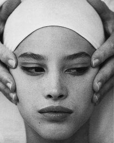 2018/03/23 03:02:00 Christy Turlington by Arthur Elgort for Vogue US October 1985 ✨