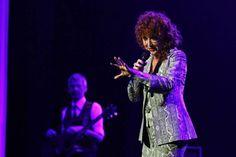 Il concerto di Fiorella  Mannoia al Teatro Verdi. (Foto Tania Bucci/New Press Photo)