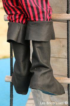 DIY Couture enfants : Bottes de Pirate : Tutoriel destiné aux enfants avec les patrons en taille-réelle pour confectionner une paire de bottes de pirate en feutrine