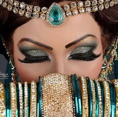 Asian bridal makeup arabic makeup cleopatra....... http://thingswomenwant.com/