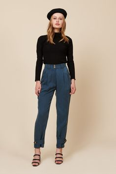 Meet leanna the perfect high-waisted pant for everyday wear. tuck an easy-fitting top into these for easy sophistication.